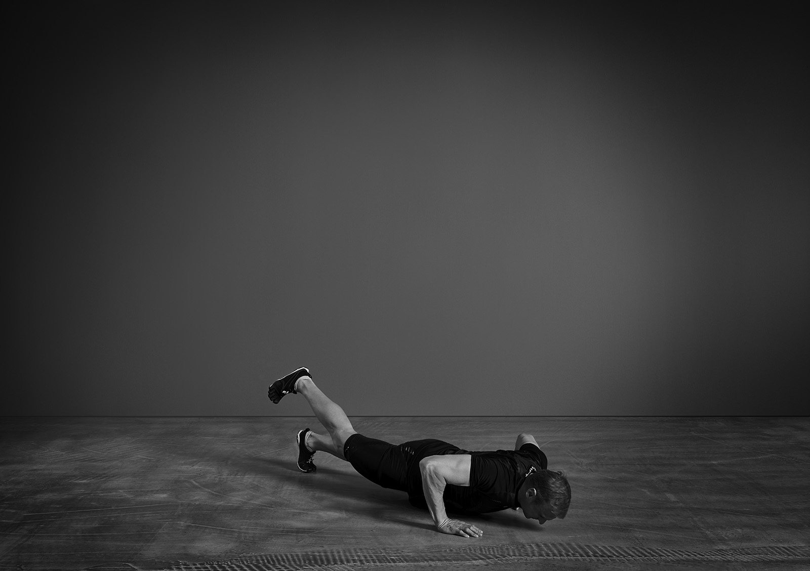 patrick_schreiber_Personal-Training-burpees_one_leg