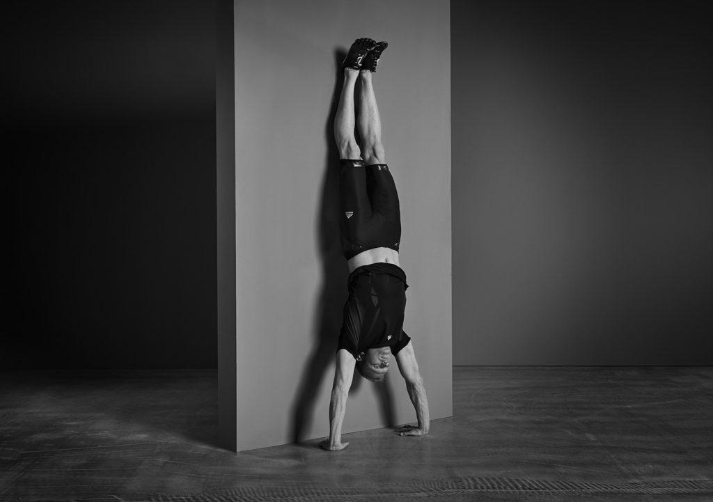 patrick-schreiber-Personal-Training-wall-handstand