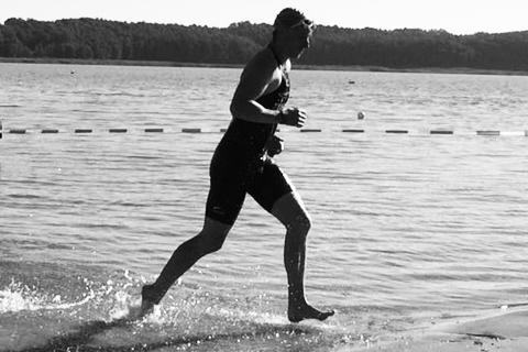 Stefan-hoehlbaum-Triathlon-schwimmen